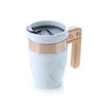 HDC1035 MARBLE CERAMIC MUG WITH SS RIM WOODEN HANDLE 400ML Dimensions: 12.5 X 8.5 X 13.5cm